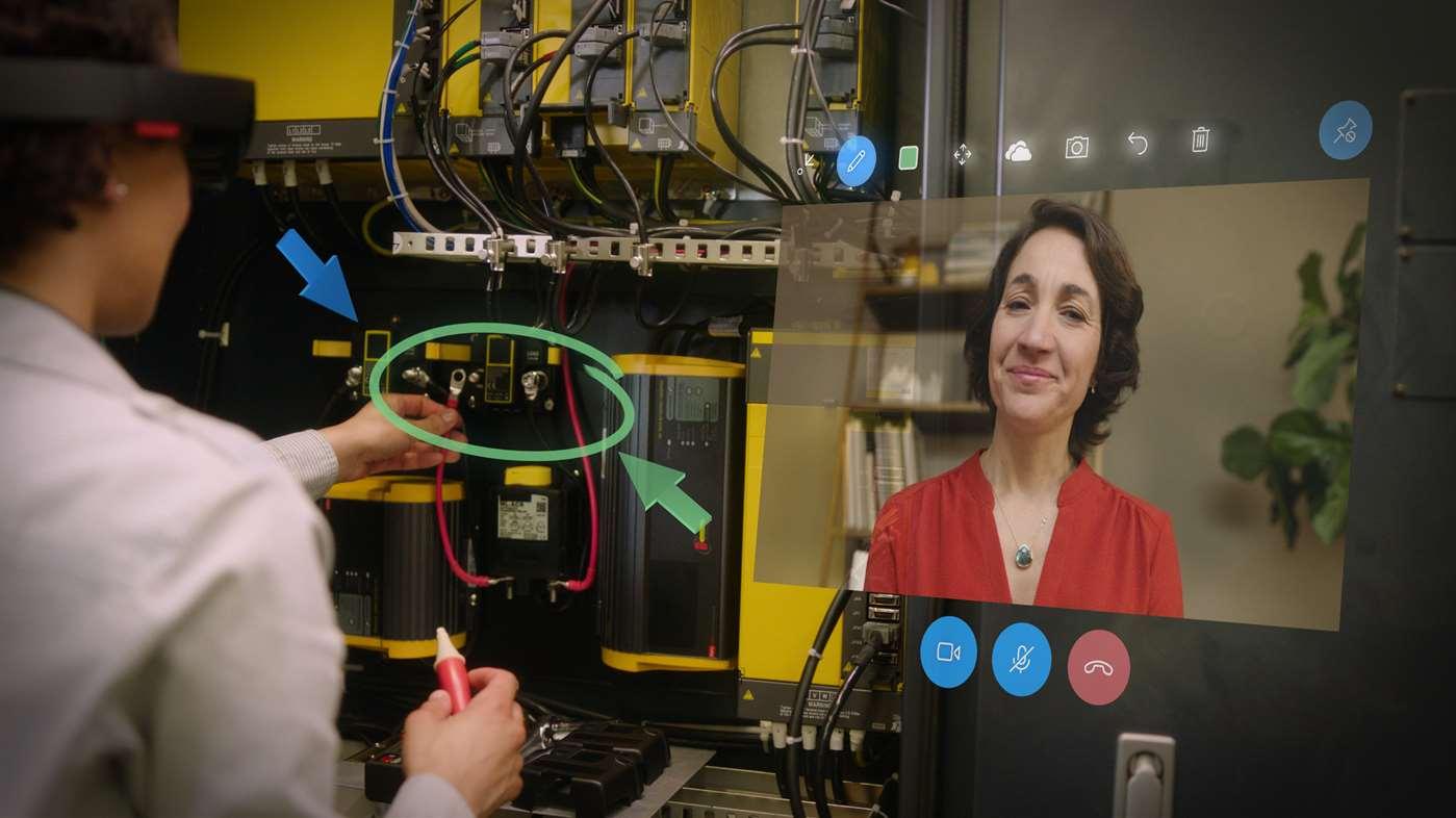 Augmented Reality applicaties voor mobiele devices als eerste stap naar een HoloLens